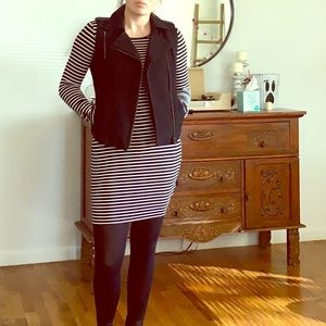 Long sleeved fitted casual dress